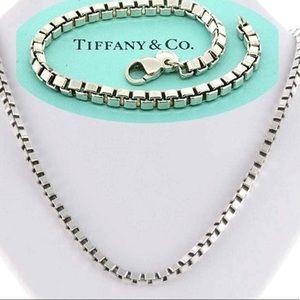 "Tiffany 18"" Venetian Link Box Necklace"